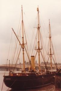 HMS Discovery, London (1979) by Mark D. Jones