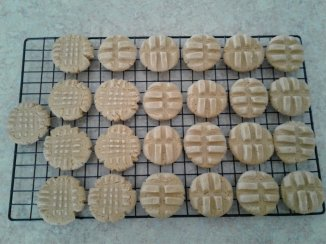 Smooth Peanut Butter Cookies (the photo is lighter than the actual cookies)